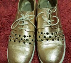 GULIVER zlatne cipelice