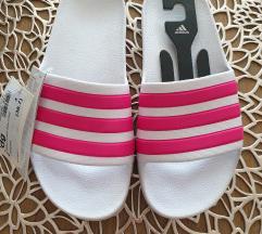 Papuče Adidas Duramo Novo 36,7