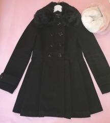 Crni, zimski kaputic