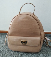 Zara ruksak(poštarina uključena u cijenu)