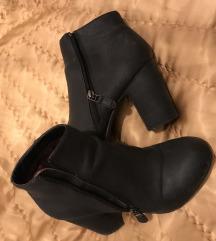 Čizme gležnjače 38