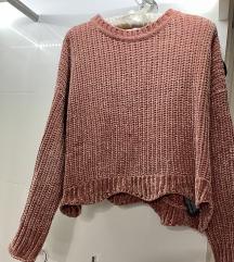Zara plišani pulover