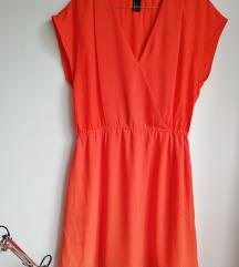 narančasta lepršava haljina