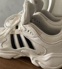 Adidas Magmur 41 1/3