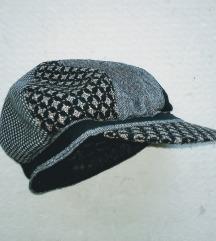 Francuska šilt kapa u patchework stilu