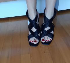 Zara sandale kožne