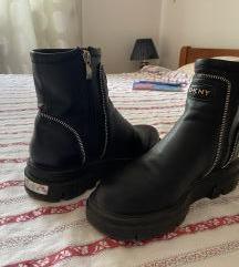 Donna Karan NY kozne cizme