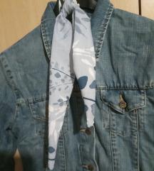 Teksas jakna + gumica za kosu s maramom