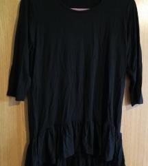 crna majica s volanom