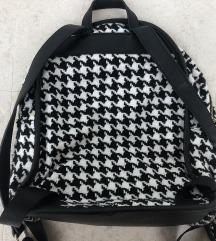 Novi  Carpisa ruksak s etiketom
