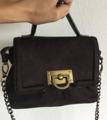 Carpisa crna torbica