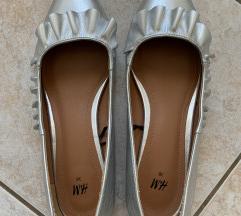 H&M balerinke sa manjom petom