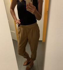 Zlatne rastezljive hlače