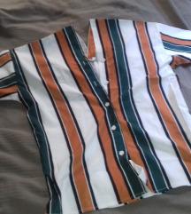 Prugasta košulja, V izrez