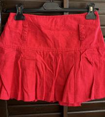Crvena mini suknja vel. S
