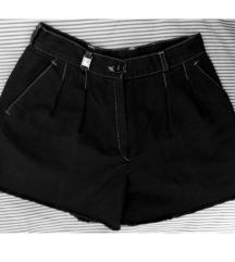 Šorc crne kratke hlače jeans traper shorts