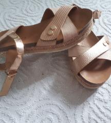 brončane sandale povišene puna peta 34