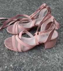 NOVE nude sandale na vezanje