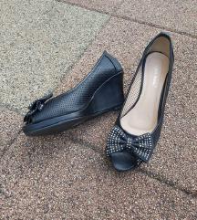 Crne cipelice s punom petom
