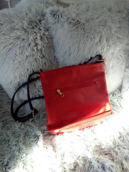 Kozna crvena torba