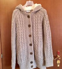 Siva pletena jakna na kopčanje