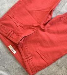 BERSHKA crvene hlače - novo