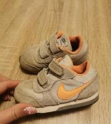 Nike tenisice br.23.5
