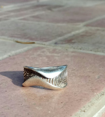 Masivni srebrni prsten