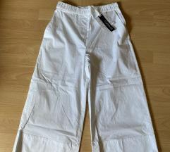 MAX&Co. nove hlače s etiketom