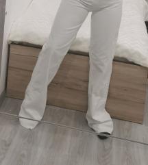 Zara bijele hlače