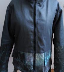 Zanimljiva jakna