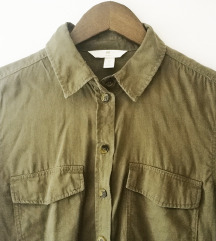 Nenošena maslinasta košulja H&M