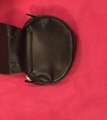 Crna kozna torbica