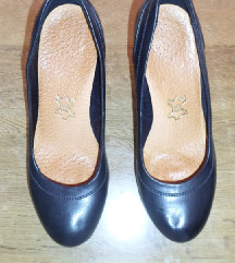 Kozne cipele br 39-40, ug 25.5 cm