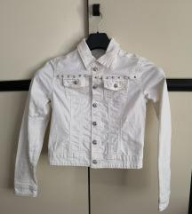 Bijela jeans jakna sa zakovicama veličina S