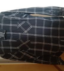 Crna karirana košulja