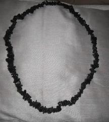 Crna duža ogrlica,kamen