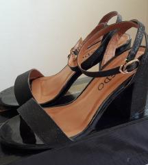 Sandale crne blok peta