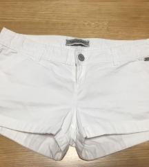 Stradivarius bijele kratke hlače