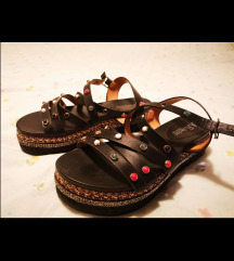 Mass sandale nove