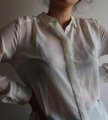 Bijela košulja s biserima