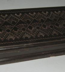 kutija drvena duborez ručni rad