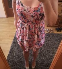 Cvjetna bershka haljina