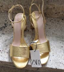 Nove ZARA sandale, br.40