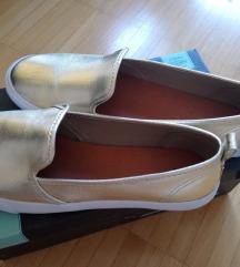 Nove zlatne cipelice