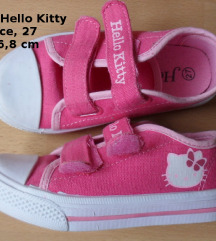 Nove Hello Kitty tenisice, 27