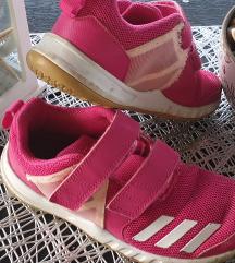 Adidas i nike 35