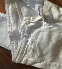 Bijele ljetne traperice