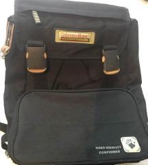Školski ruksak sa čvrstim leđima