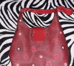 Ken Scott crvena torbica